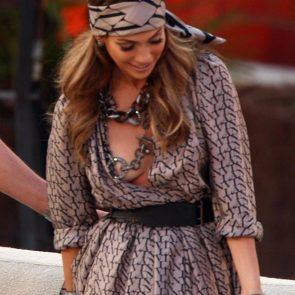Jennifer Lopez nude breast