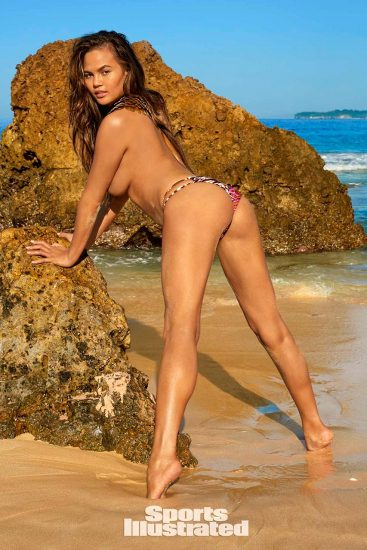 Chrissy Teigen Nude & Topless ULTIMATE Collection 39
