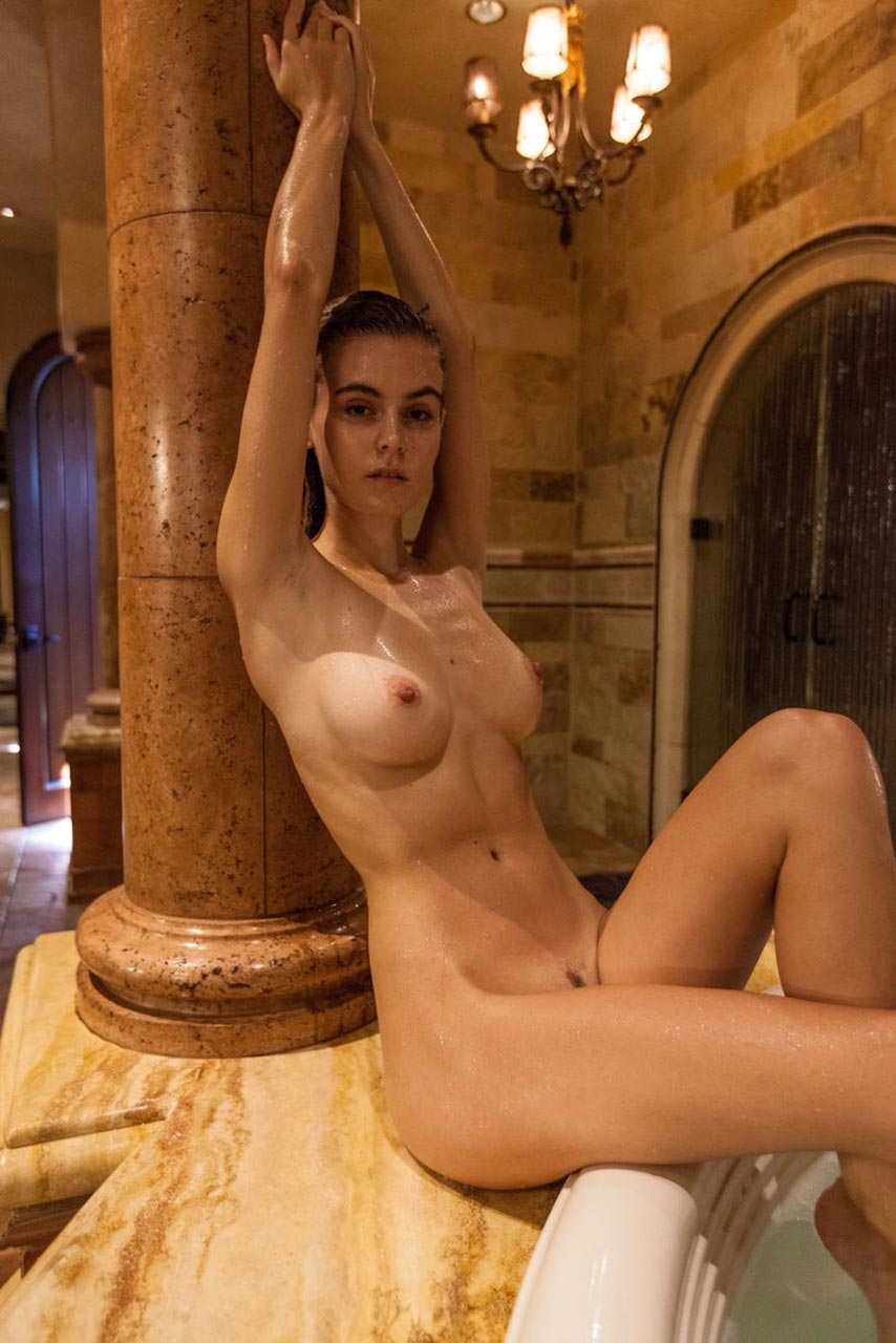 Amberleigh West Nude Videos Leaked and Naked Pics! 22
