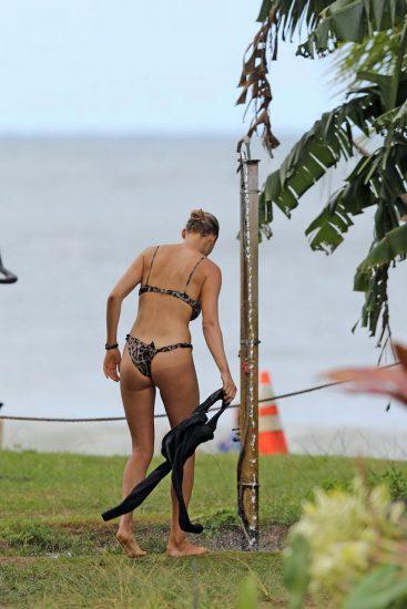 Kelly Rohrbach skimpy bikini