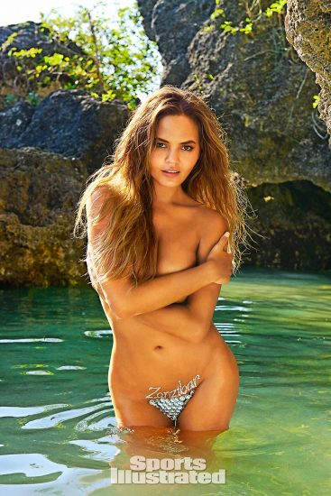 Chrissy Teigen topless for si