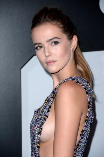 Zoey Deutch Nude & Sexy Pics And Topless Sex Scenes 5