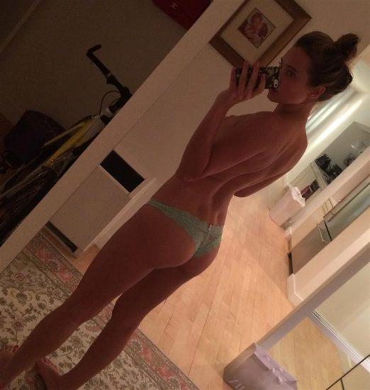 Naked girl pic thread