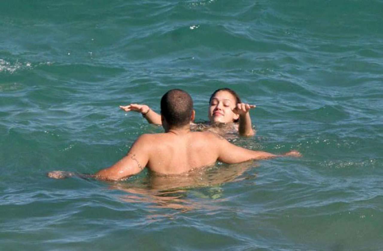 Джессика альба секс в море