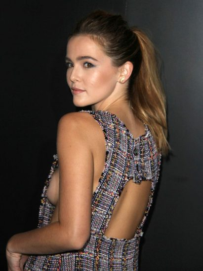 Zoey Deutch Nude & Sexy Pics And Topless Sex Scenes 18