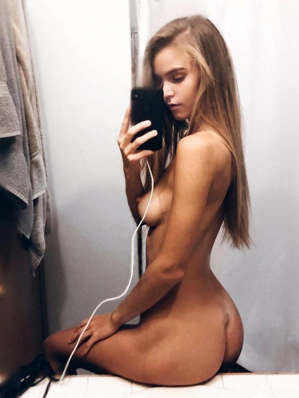 Amberleigh West Nude Videos Leaked and Naked Pics! 12