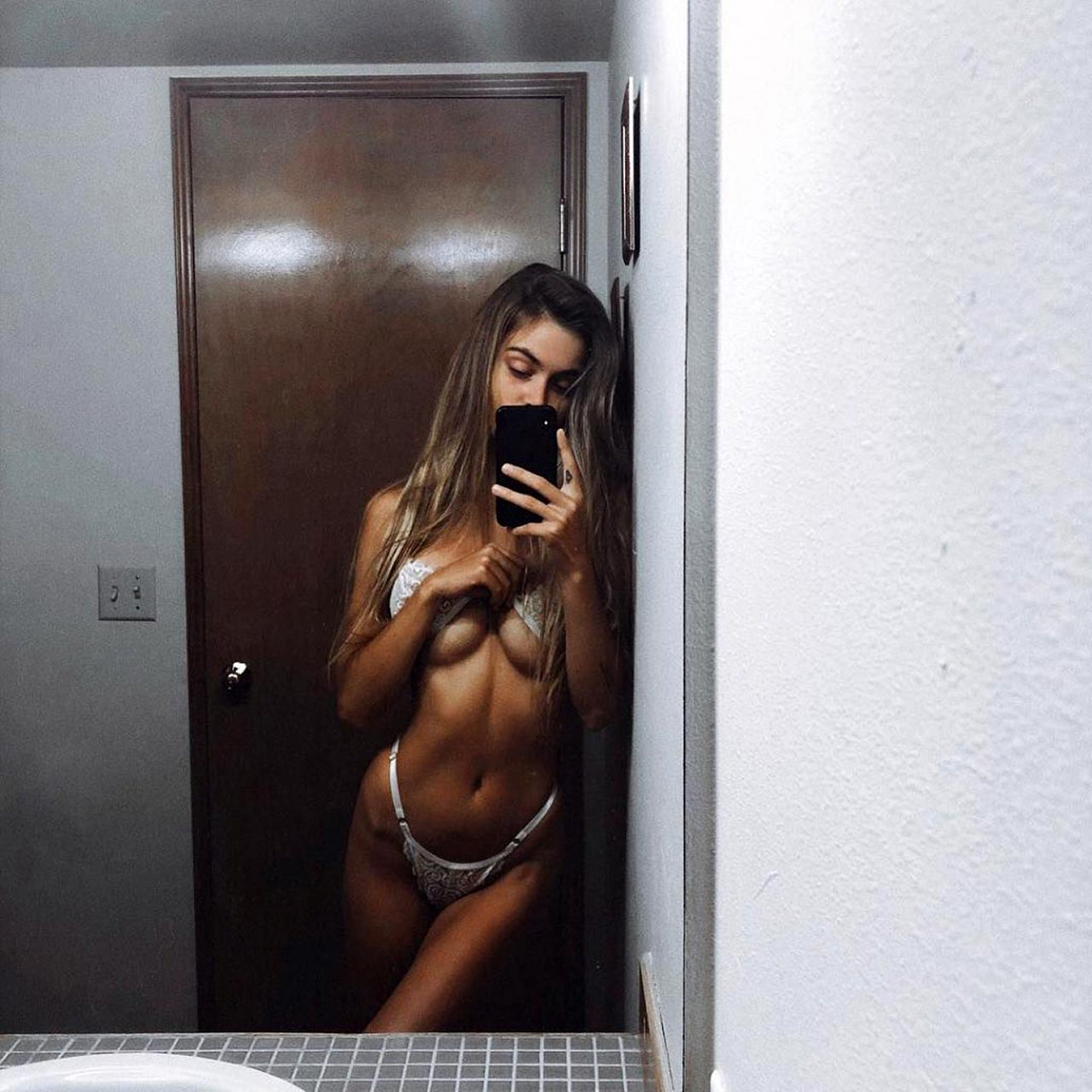 Amberleigh West Nude Videos Leaked and Naked Pics! 7