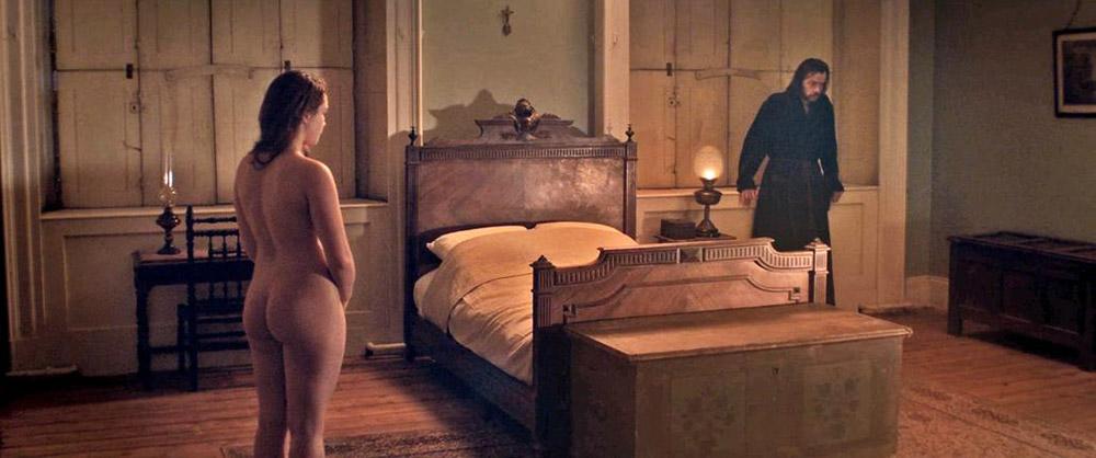 Florence Pugh naked ass