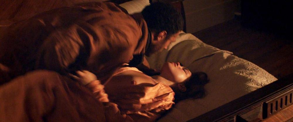 Florence Pugh topless scene