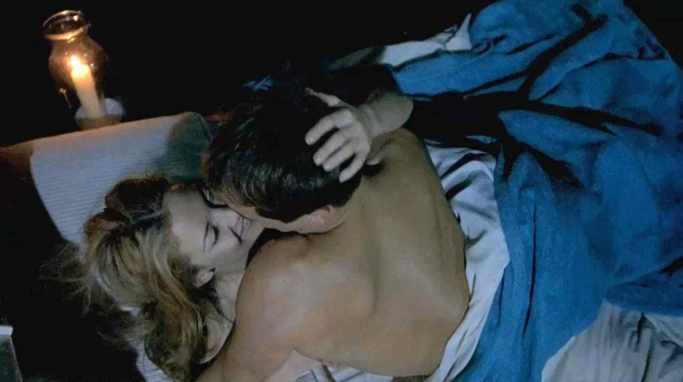 Kate Hudson topless sex scene