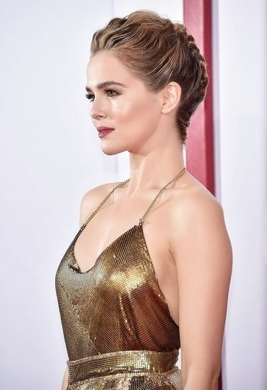 Zoey Deutch Nude & Sexy Pics And Topless Sex Scenes 64