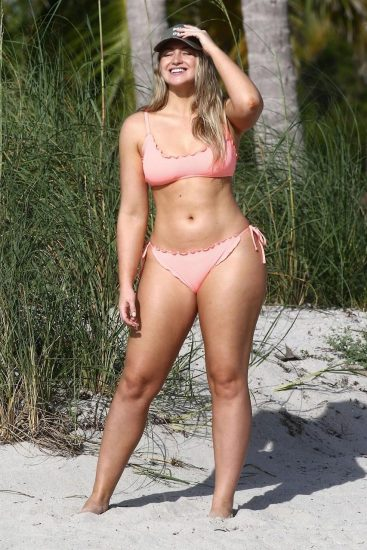 Iskra Lawrence Nude & Topless Pics And LEAKED Porn 42