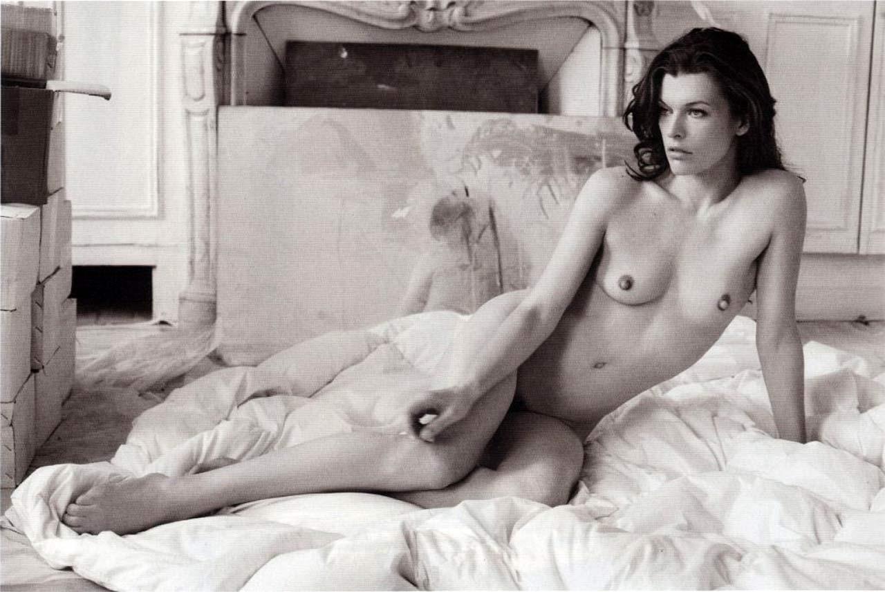 Milla jovovich pussy