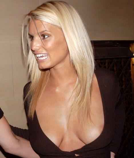 Jessica Simpson tits cleavage nipple slip
