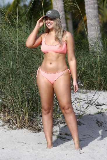 Iskra Lawrence Nude & Topless Pics And LEAKED Porn 45