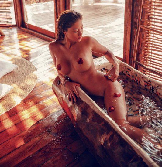 Arianny Celeste nude in the bathtub