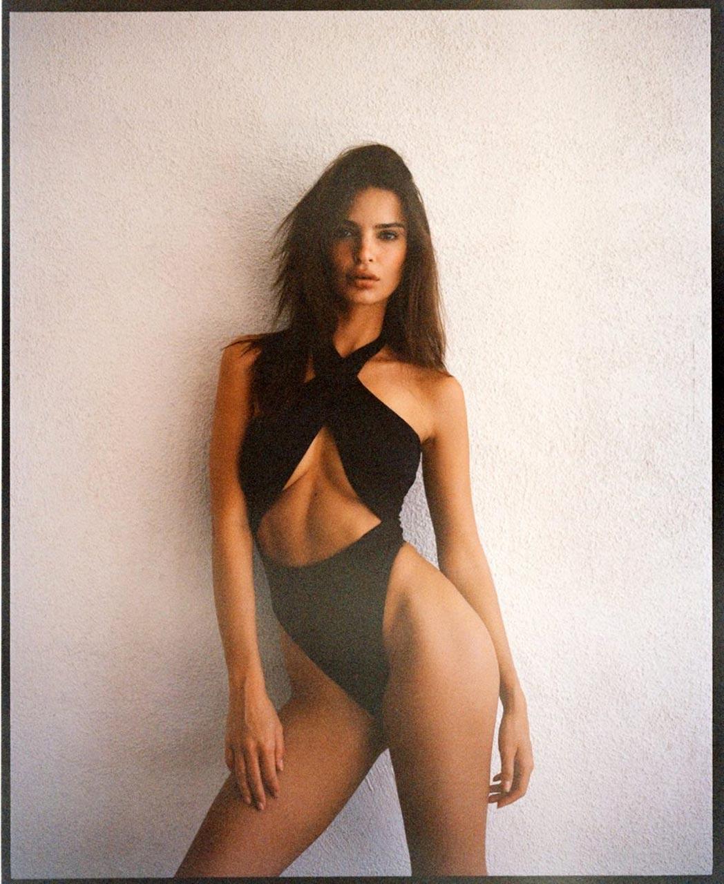 Emily Ratajkowski Leaks (35 Photos) - ( ͡° ͜ʖ ͡°)  The