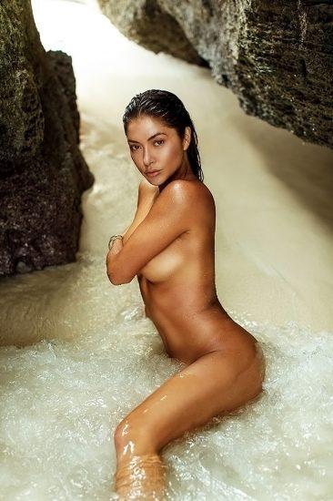 Arianny Celeste naked pic