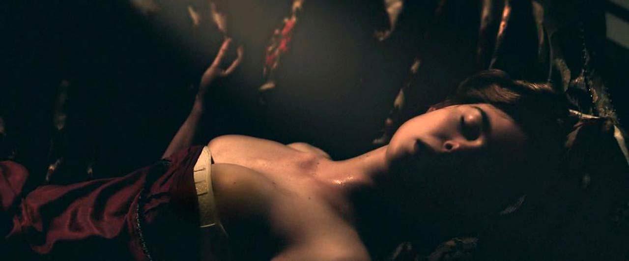 Elle fanning naked All