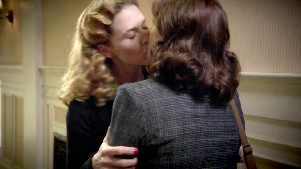 Hayley Atwell lesbian wet kiss