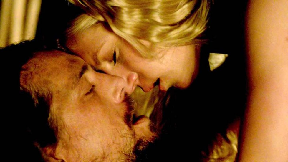 Katheryn Winnick kiss with a guy