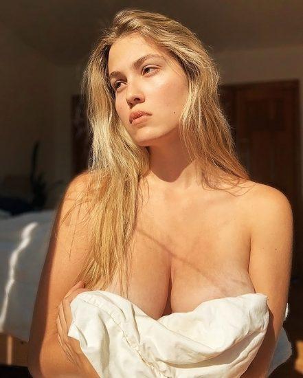 Megan Moore Nude Pics & LEAKED Sex Tape Porn 27