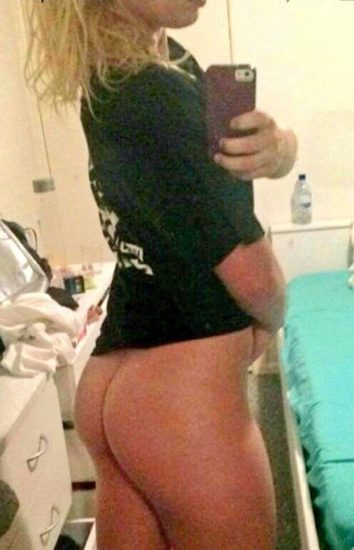 Toni Storm nude ass leaked pic