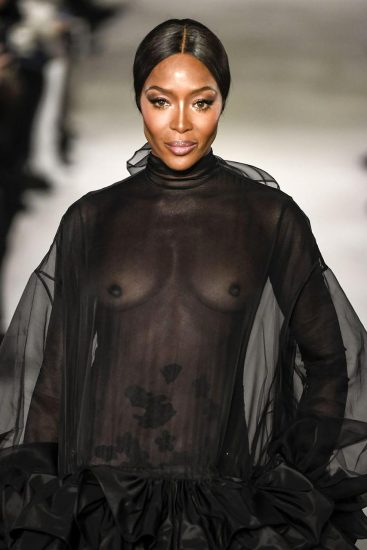 Naomi Campbell NUDE Pics & Topless Sexy Images Collection 54