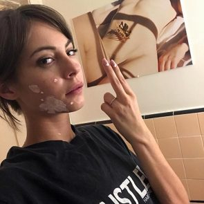 Willa Holland leaked selfie