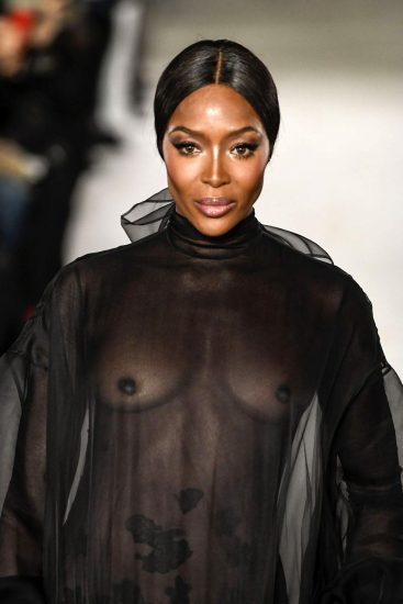 Naomi Campbell NUDE Pics & Topless Sexy Images Collection 55