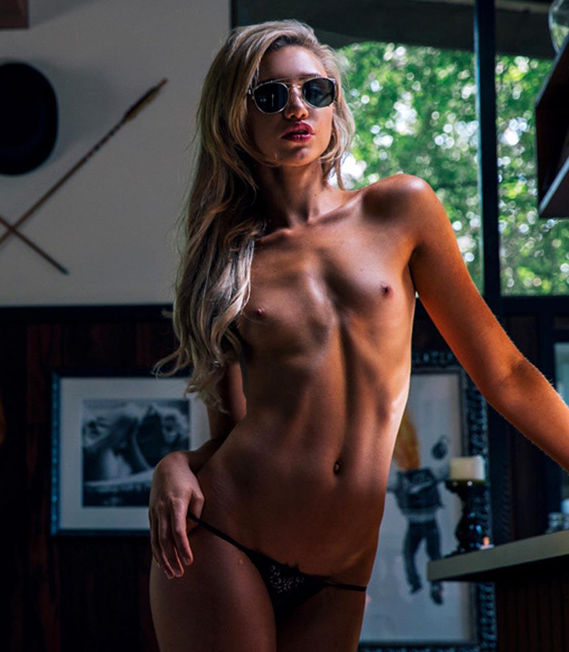Pamela anderson on nude beach