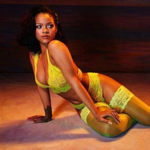 Rihanna sexy in yellow bra