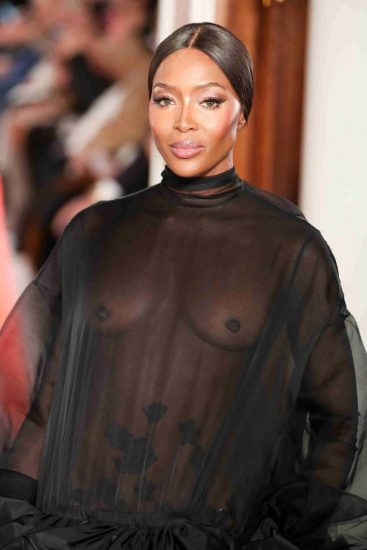 Naomi Campbell NUDE Pics & Topless Sexy Images Collection 73
