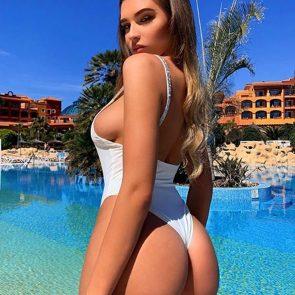 Zara McDermott big ass