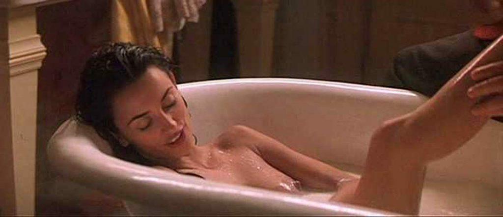Penelope Cruz Nude in bathtub scene