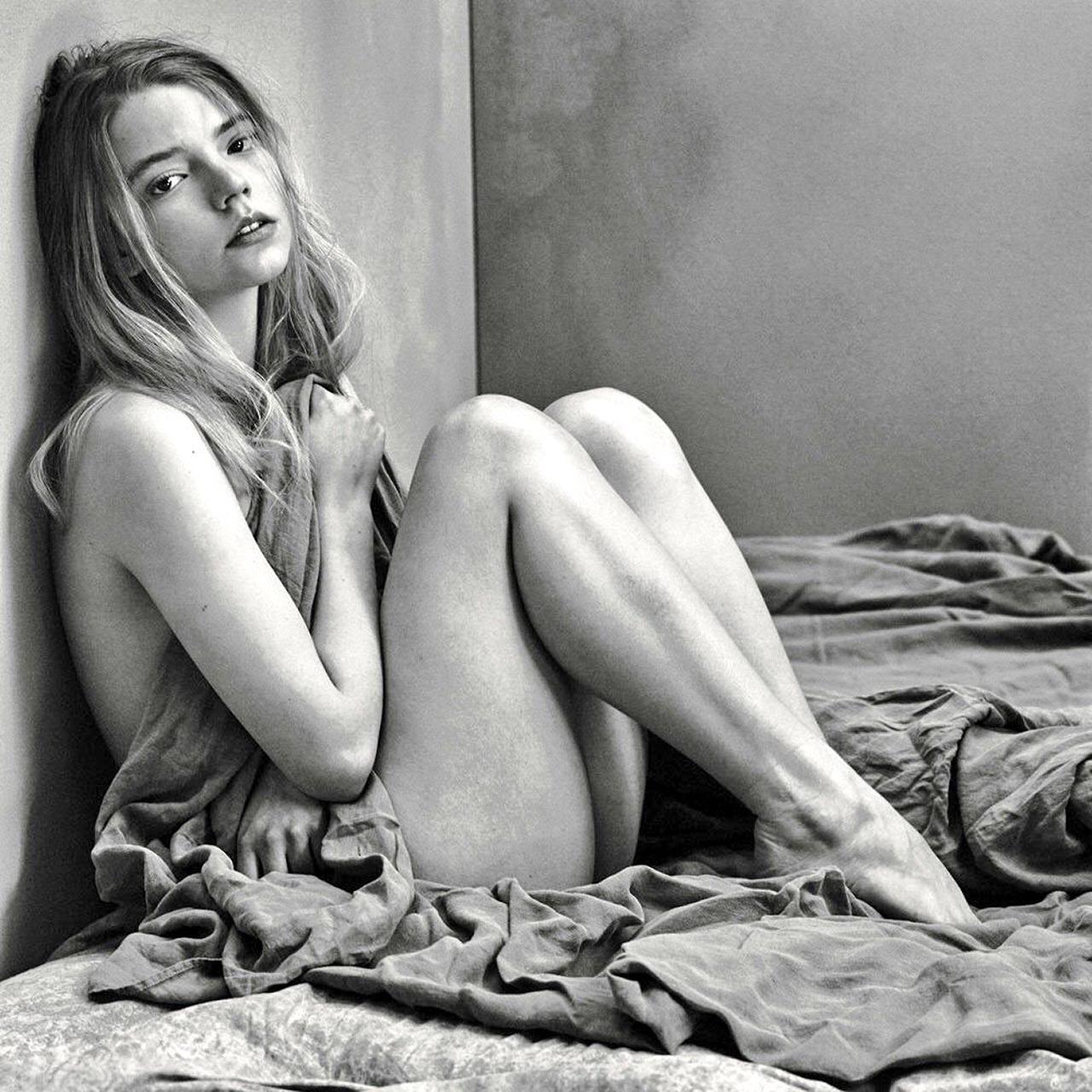 Anya Taylor Joy nude