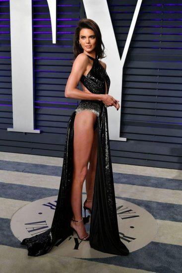 Kendall Jenner pussy slip