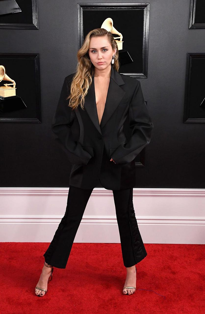 Miley Cyrus Braless For Grammy Awards 2019 Scandal Planet