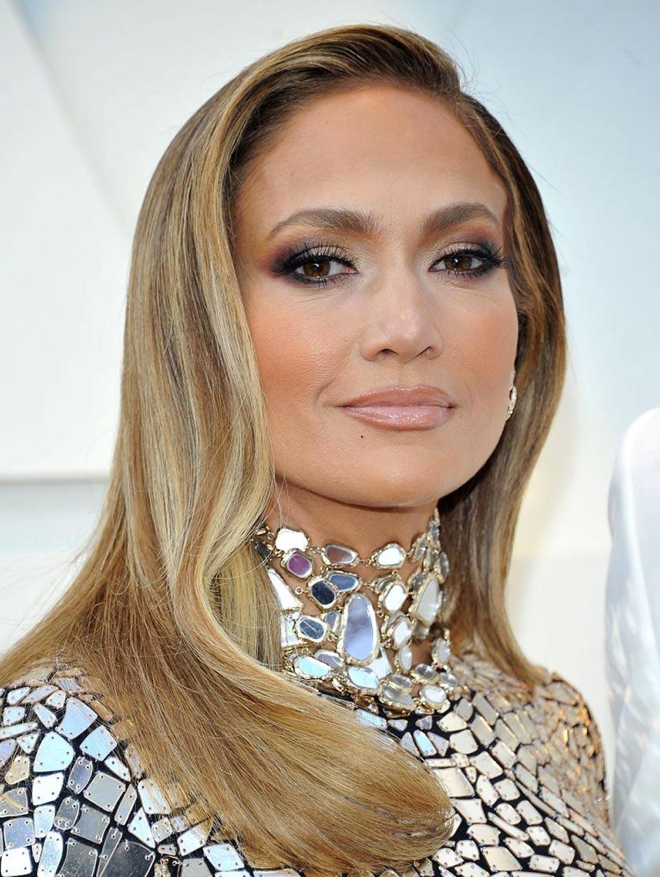 Jennifer Lopez Hot Outfits for Oscars 2019 - Scandal Planet