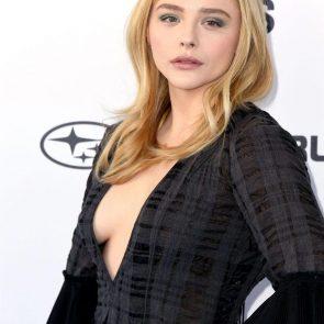 Chloe Grace Moretz sexy cleavage