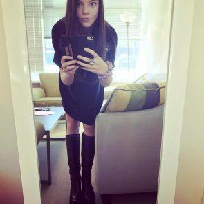 Anya Taylor Joy sexy selfie