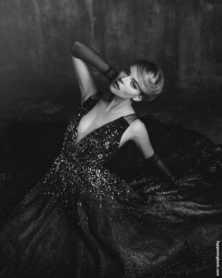 Anya Taylor Joy Nude & Sexy Photos Collection 32