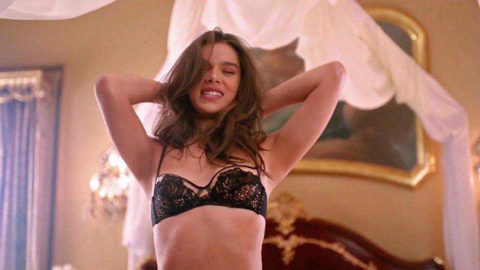 Hailee Steinfeld lingerie scene