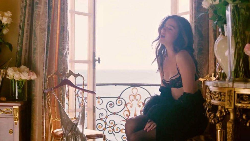 Hailee Steinfeld sexy lingerie