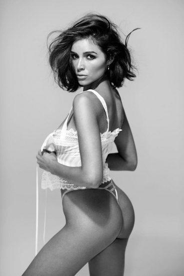 Olivia Culpo sexy ass