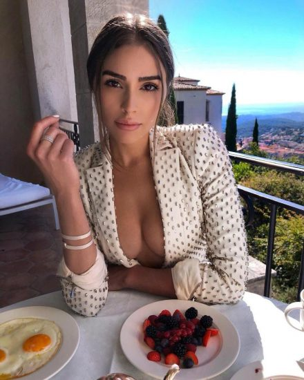 Olivia Culpo Nude & Topless ULTIMATE Collection 160