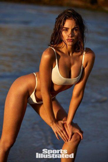 Olivia Culpo white bikini