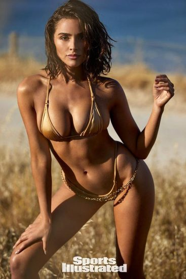 Olivia Culpo beige bikini