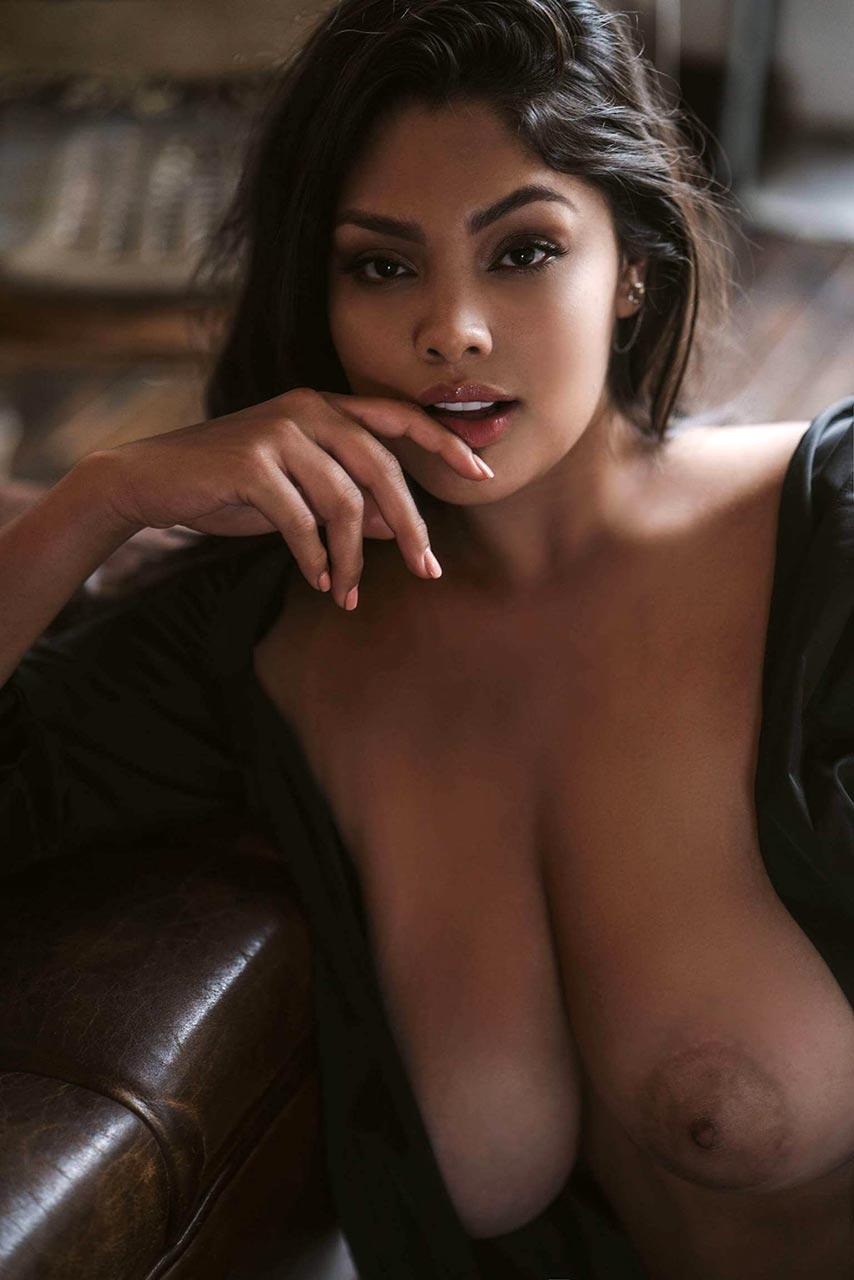 Jocelyn naked