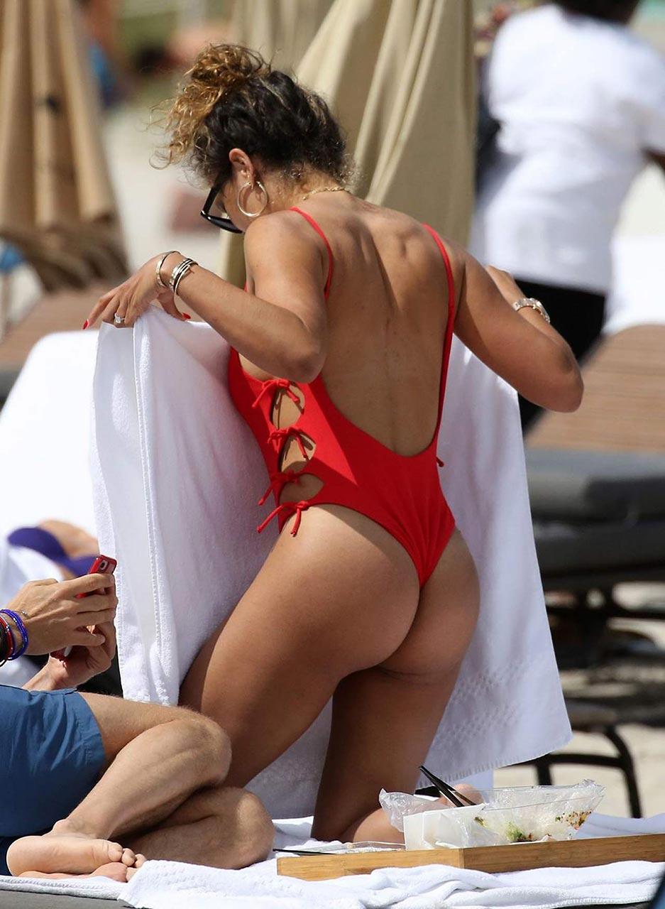 Nackt Jessica Ledon  Nudity in